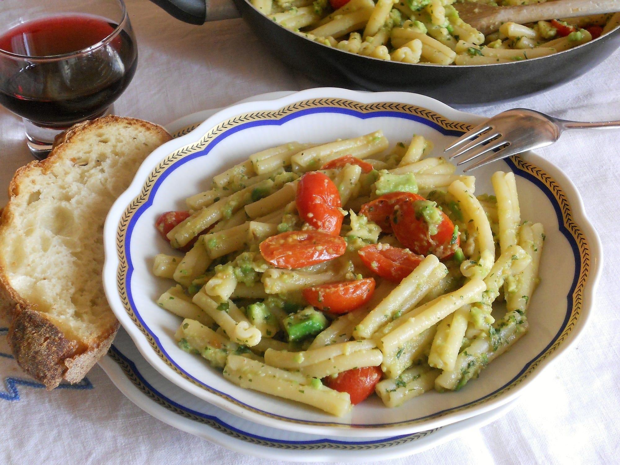 ricetta pasta con pesto di avocado
