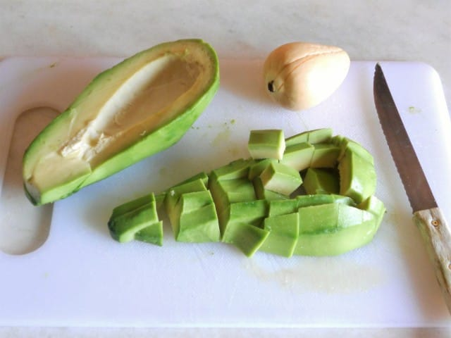 ricetta-pasta-pesto-avocado (3)