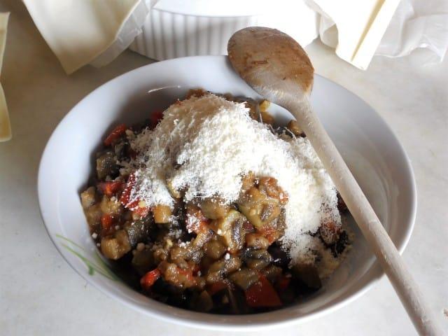 ricetta-caponata-crosta-pasta-sfoglia-foto (4)