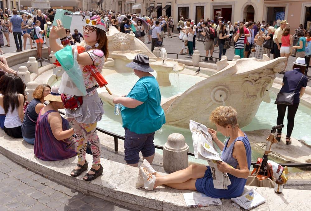 turisti incivili