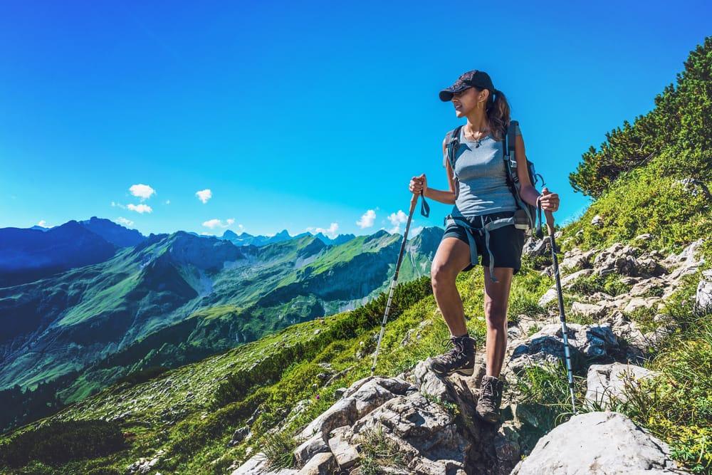 benefici del trekking