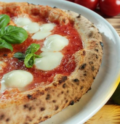 Pizza fatta in casa: una raccolta di ricette e originali varianti, anche a base di frutta