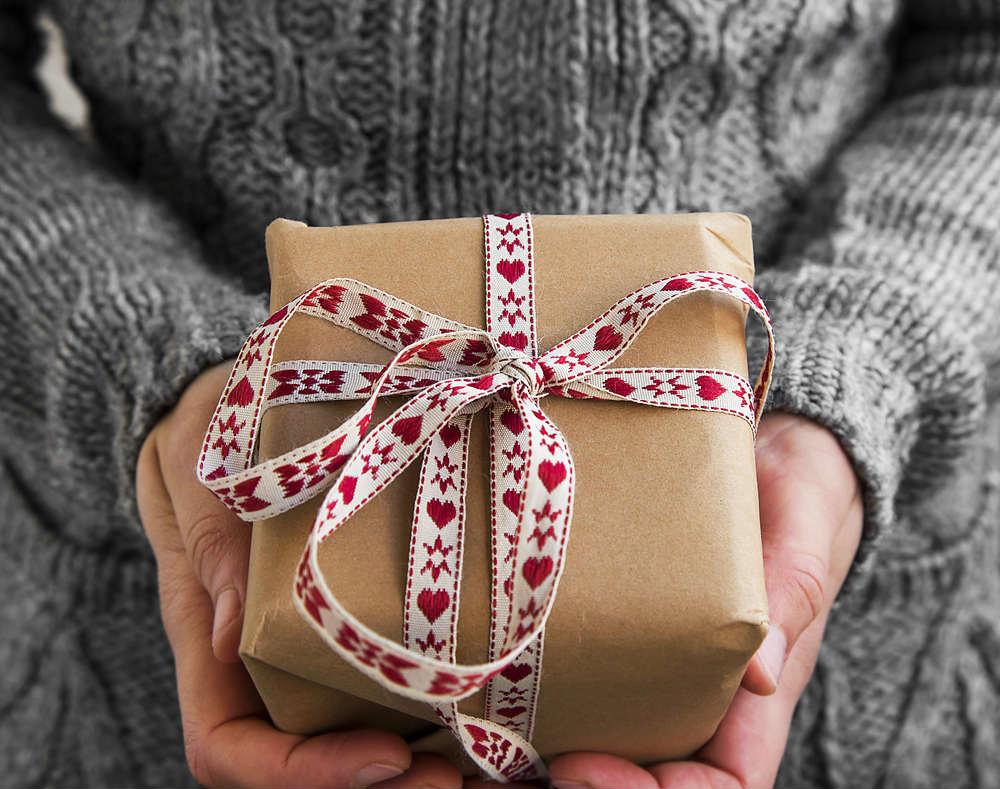 Vendita Regali Di Natale Riciclati.Come Riciclare I Regali Di Natale Non Sprecare