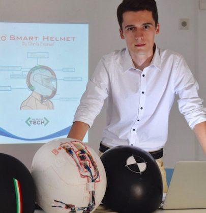 Il casco intelligente inventato da un ragazzo di 20 anni. Lancia sos in caso di incidente. E ti avvisa se sei stanco (foto)