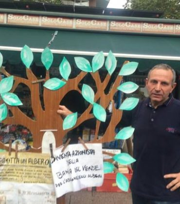 Il giornalaio più green d'Italia: la storia di Mauro Silenzi che con il suo comitato pianta centinaia di alberi a Porta Portese (foto)