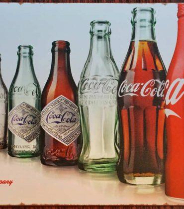 La Coca Cola del futuro: non più zucchero e packaging sostenibile. Studiata in laboratorio da un team di 85 esperti