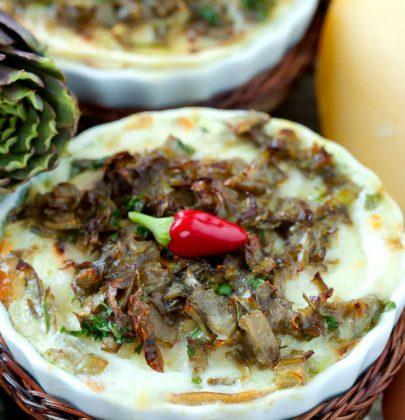 Budini salati con i carciofi: la ricetta di un antipasto sfizioso che recupera i gambi, con la ricotta e la maggiorana