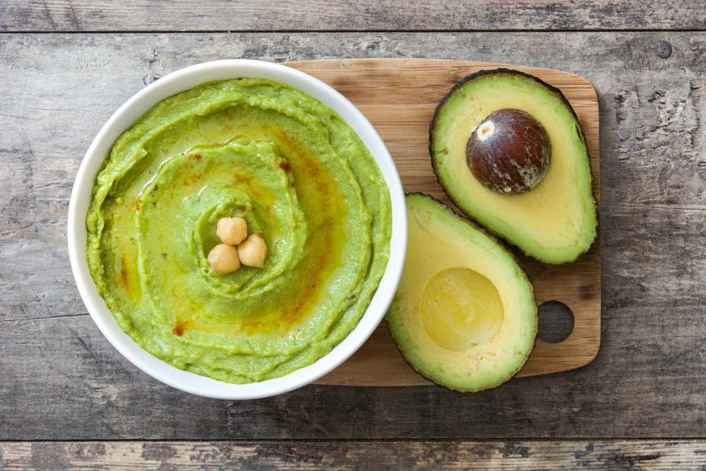 ricetta hummus di avocado
