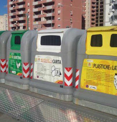 Raccolta differenziata, a Palermo arriva la prima isola ecologica: chi porta i rifiuti al centro di raccolta riceve in cambio biglietti dell'autobus (video)