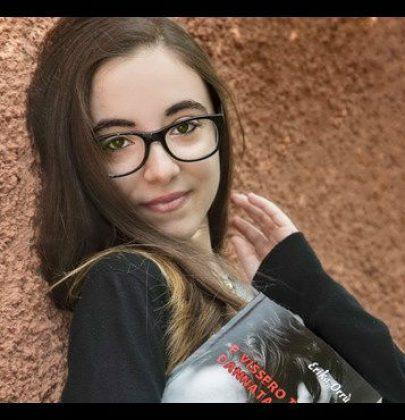 Erika, sedicenne cagliaritana, da vittima dei bulli a scrittrice