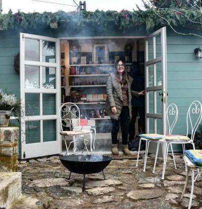 Sopra La Penna: la mini-libreria di 5 metri quadrati arrampicata sui monti della Garfagnana