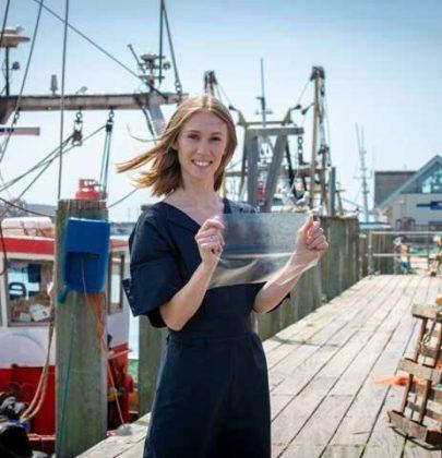"""La plastica """"buona"""" viene dal mare: non inquina, e recupera scarti della lavorazione del pesce"""