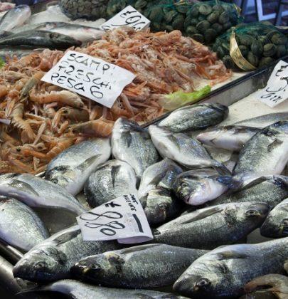 Come si compra il pesce, 10 consigli essenziali per evitare fregature, sorprese e sprechi
