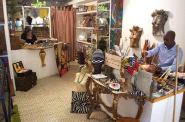 artigiano del vetro senegalese