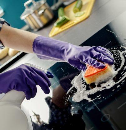 Lavoro domestico, così le donne hanno moltiplicato le ore durante il lockdown