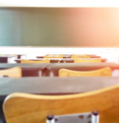 Scuola nel caos, discoteche aperte. Stiamo sprecando il futuro di una generazione
