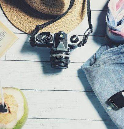 Vacanze all'estero, usate la carta prepagata. Come non sprecare tempo con le valigie