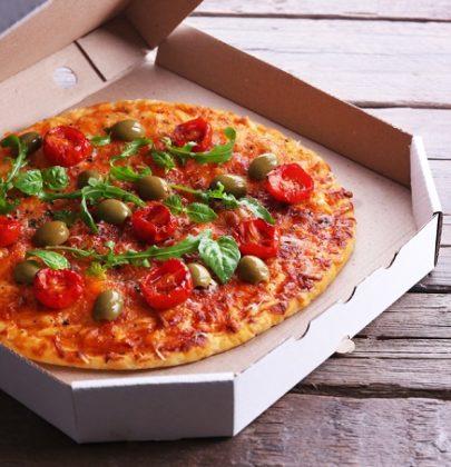 Cartoni delle pizze e del cibo, come smaltirli. Nella carta o nell'umido
