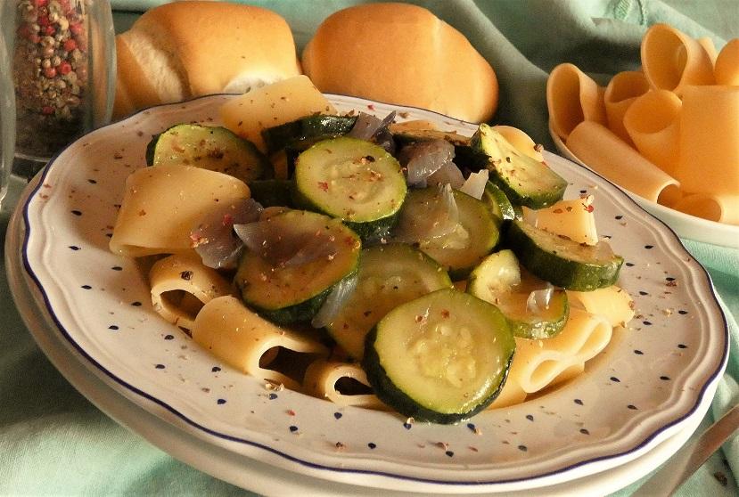 ricetta calamarata con zucchine