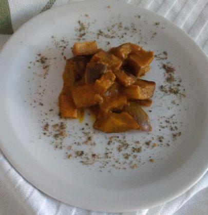 Melanzane al curry: la ricetta di un contorno dal sapore particolare, da gustare con pesce e formaggi