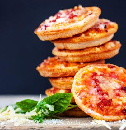 Pizzette rosse fatte in casa, la ricetta più semplice, gustosa e veloce