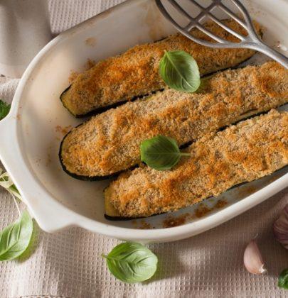 Zucchine ripiene di tonno: la ricetta semplice da preparare, perfetta per il pranzo in spiaggia