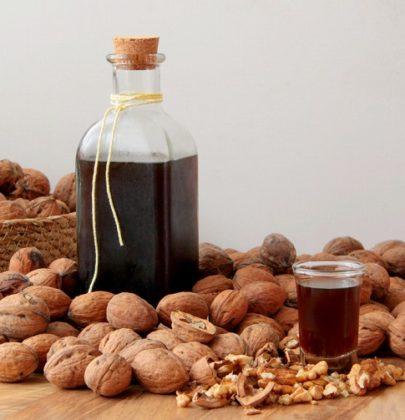 Liquore di noci, come prepararlo in casa. L'antica e semplice ricetta con il caffè