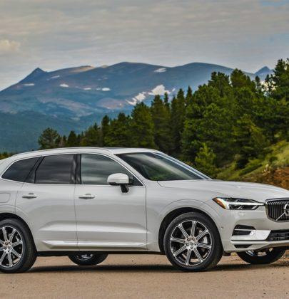 Volvo, la campagna per la sicurezza in auto e fuori. Il modello XC60 che ti aiuta perfino se sbagli corsia