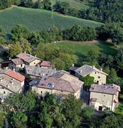 Incentivi per vivere in montagna, in Emilia-Romagna fino a 30mila euro se si sceglie un borgo dell'Appennino