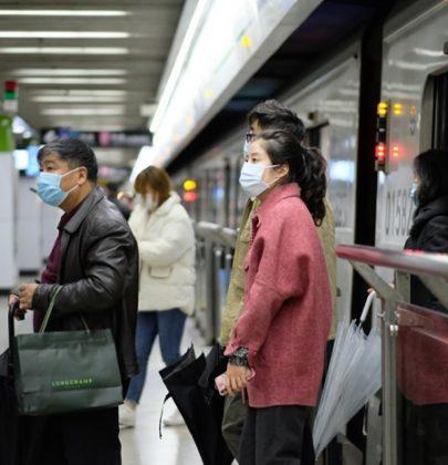 Chi guadagna con il coronavirus: la Cina. Economia in ripresa, negozi pieni e vaccino ok
