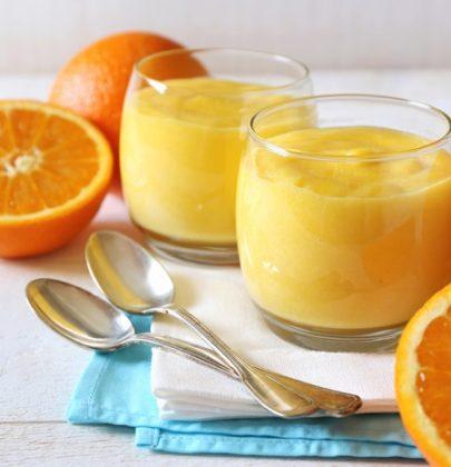 Mousse all'arancia, la ricetta con i tuorli d'uovo. Deve raffreddare per almeno sei ore