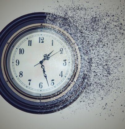 Sprecare il tempo può significare guadagnarlo. E vivere senza l'ossessione dell'utilità